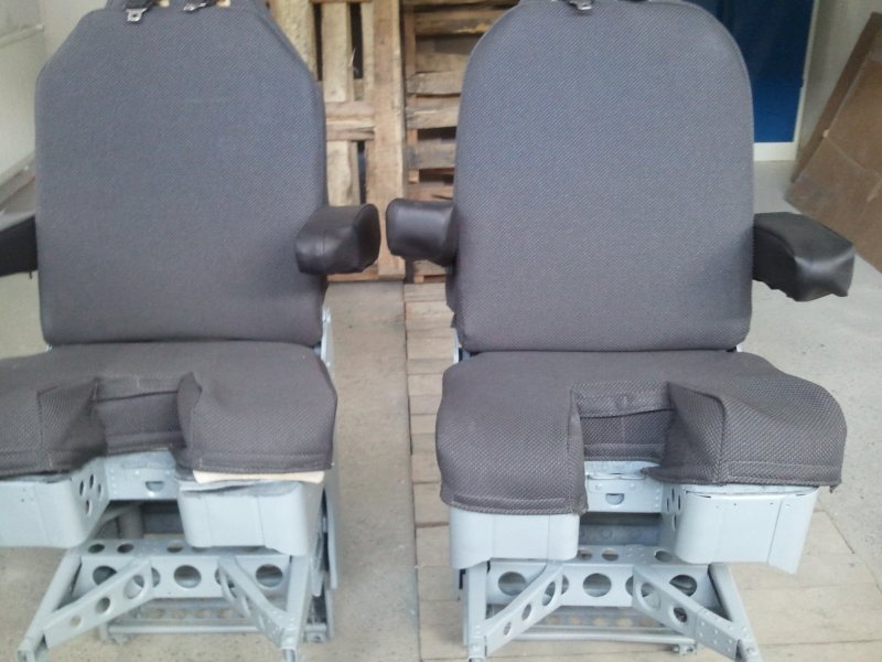 Pilot seats from Boeing 737