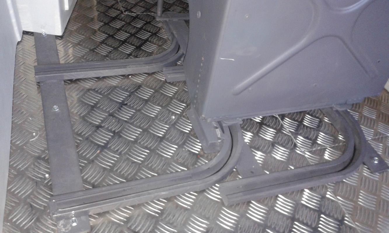 Pilot Seat Rail