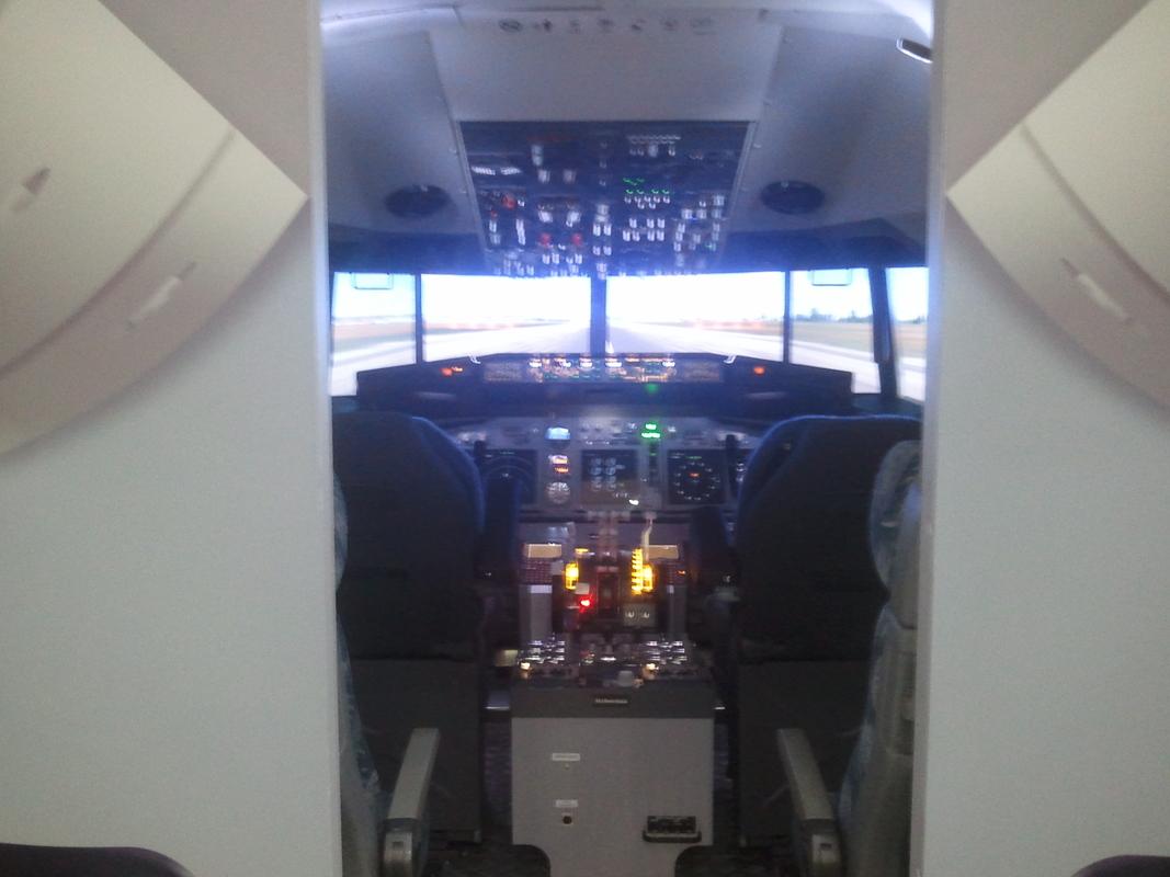 B-737 NG szimulátor Budapesten